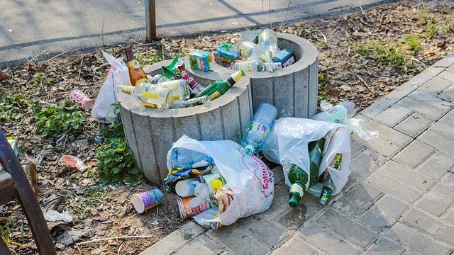 まず、ゴミを捨てる